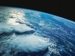 La terre dans vingt ans  si on fait rien  dans les déchets imagesfg